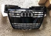 Audi TT 8J Решетка радиатора черная S-line
