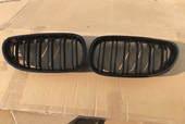 BMW E60 черные решетки раздвоенные М5