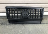 Mercedes W463 решетка радиатора черная